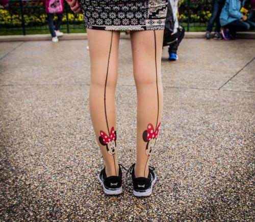 mickey minnie legs