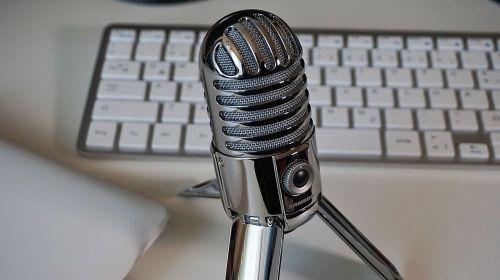 microphone keyboard podcast