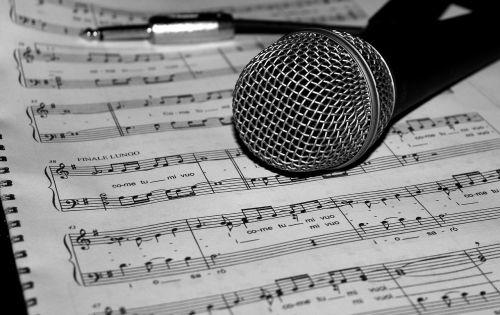 microphone music score