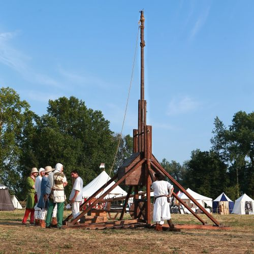 middle ages weapons trebuchet