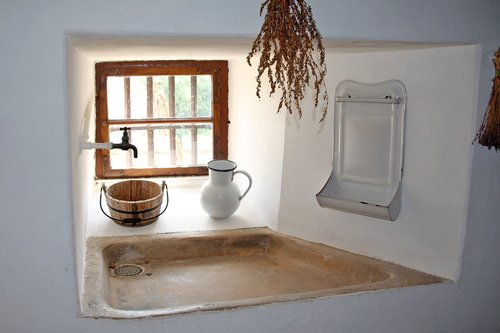 middle ages  castle kitchen  old sink