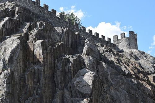 middle ages,bellinzona,switzerland,rocca,torre,rock,castle,sky,free photos,free images,royalty free