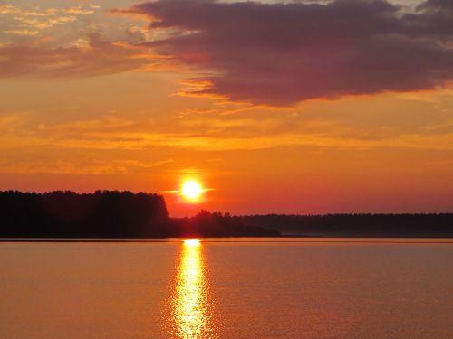 midnight sun lake onega sunset