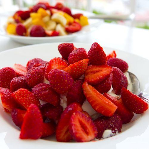 strawberries midsummer dessert