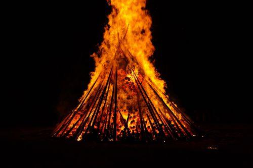 midsummer fire burn