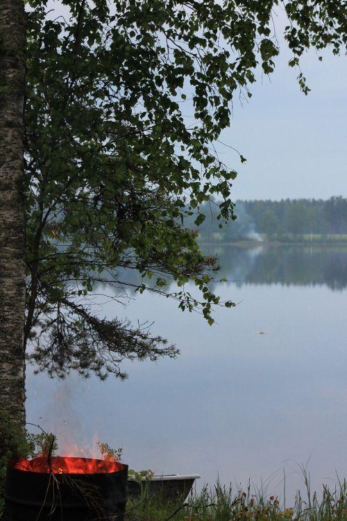 midsummer finnish yötönyö