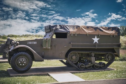 military  vehicle  world war 2
