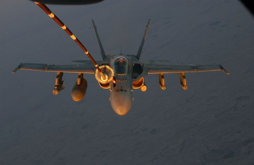 military jet refueling inflight
