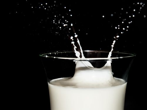 milk high speed photo