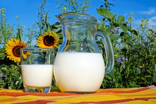 milk glass frisch