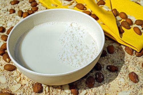 milk almond milk frisch
