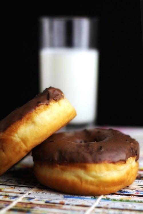 milk  donuts  chocolate