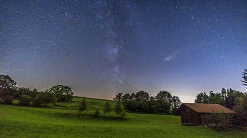 paukščių takas,Žvaigždėtas dangus,naktinis dangus,namelis,kraštovaizdis,žvaigždė,naktis,dangus,erdvė,kosmosas,astro,astronomija,visata,galaktikos,nuotaika,fonas,ilga ekspozicija,tamsi,vakaras,naktinė nuotrauka,žvaigždynas,paukščių takas,mistinis,gražus,fono paveikslėlis,tapetai,begalybė,rūkas