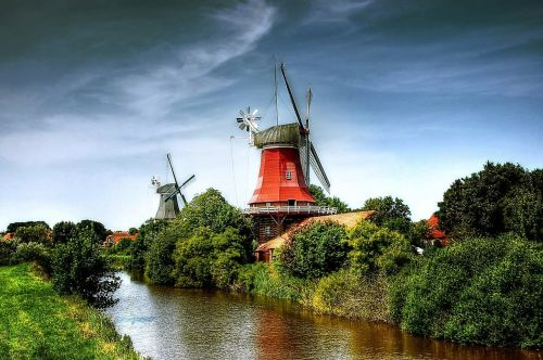 mills greetsiel sky