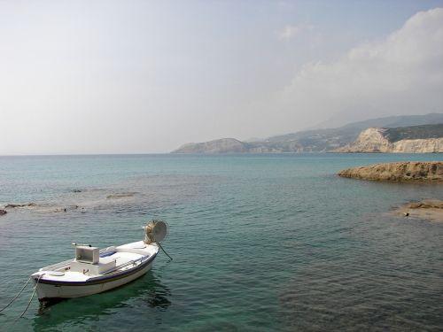 milos cyclades island hopping