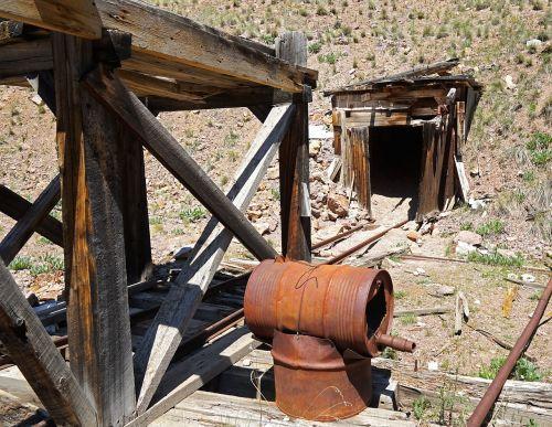 mine mine shaft shaft