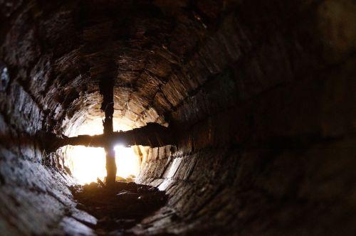mine shaft vent shaft