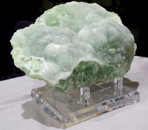 mineral mineral specimen rough