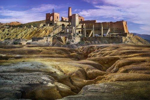 mines  ore  waste