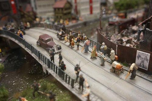 miniature  model  refugees