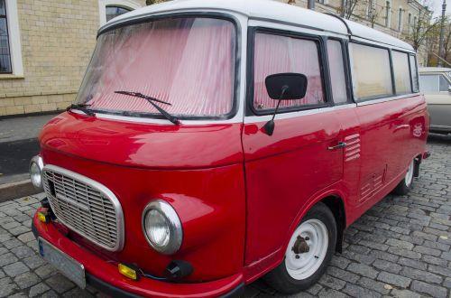 minivan red chrome