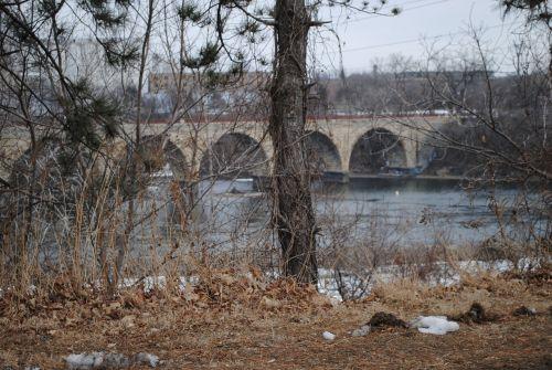 minneapolis minnesota stone arch bridge