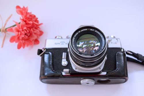 minolta camera old