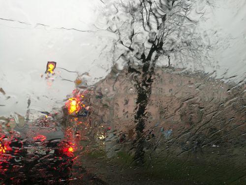 minsk,Baltarusija,lietus,miestas,stiklas,lašai,gatvė,blur,skaidrus,šlapias,apytiksliai,oras,priekinis stiklas,transportas
