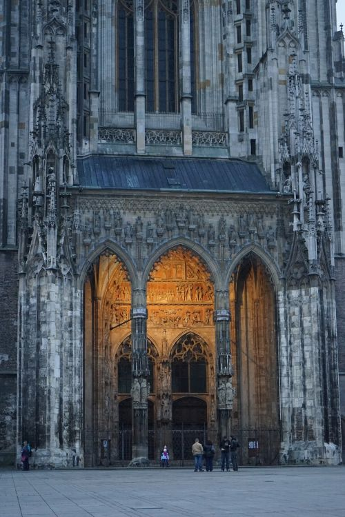 minster portal,portal,münster,input,ulm cathedral,cathedral,dom,church,entrance portal,enter,christian,faith,facade,columnar,building,architecture