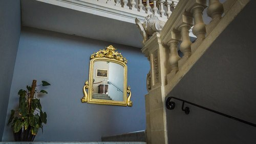 mirror  architecture  floor