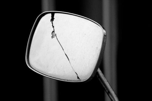 mirror crack rip