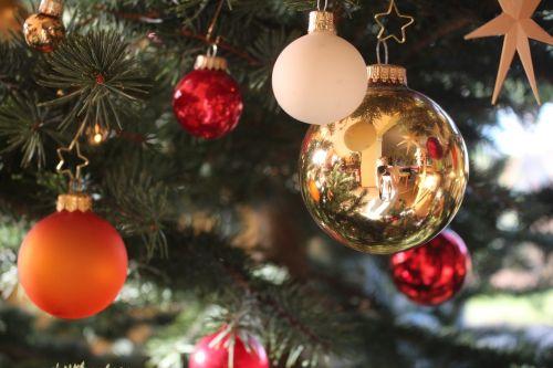 mirroring christmas ornaments christbaumkugeln