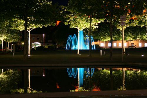veidrodis,naktis,vanduo,vakaras,atspindys,passau,fontanas,vandens atspindys