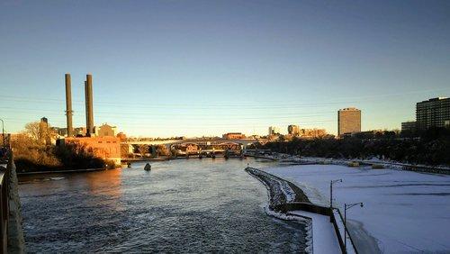 mississippi river  minneapolis  minnesota