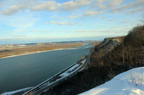 mississippi river bluff landscape
