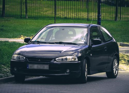 mitsubishi colt car
