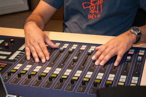 mixer sound studio speaker cab