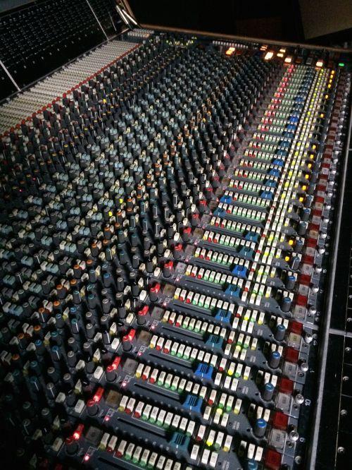 mixer studio audio
