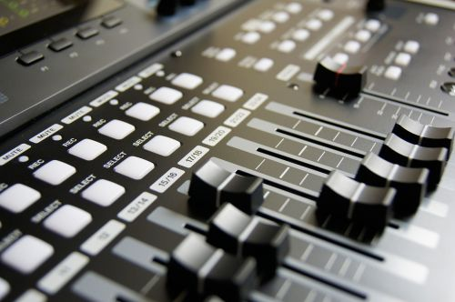 mixing table-mixing music
