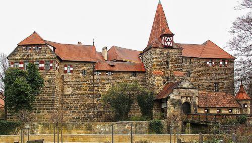 moatiška pilis,vartai,bokštas,santūra,istoriškai,pilis,tvirtovė,pastatas,lankytinos vietos,karjero akmuo,natūralus akmuo,Hersbruckas,Viduramžiai,francūzų kalba,romantiškas,architektūra,bavarija,swiss francs