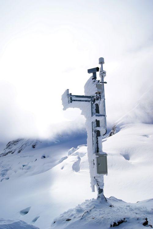 mobile telephone mast jungfraujoch mountains