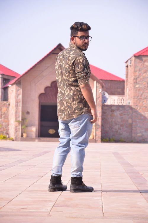 model dressing fashion