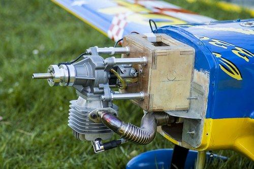 model airplane  motor  internal combustion engine