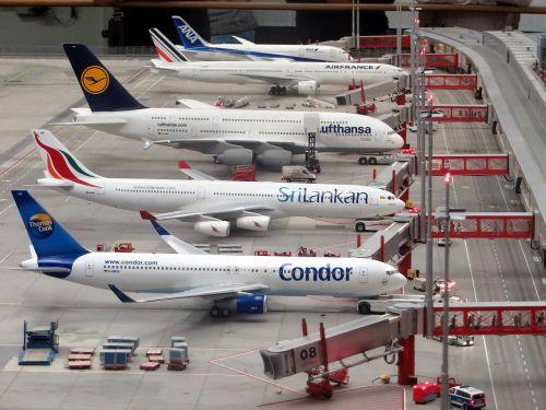 model planes airplanes miniatur wunderland