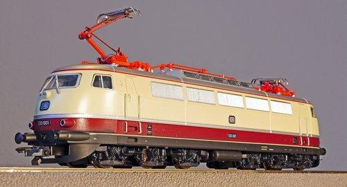 model railway  scale h0  electric locomotive