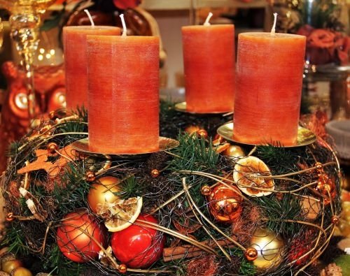 modern advent wreath candles brown tones