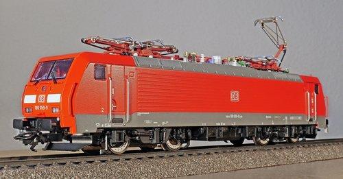 modern electric locomotive  goods train locomotive  6400 kw