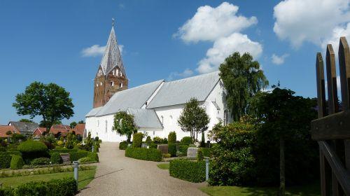 moegeltondern church cemetery