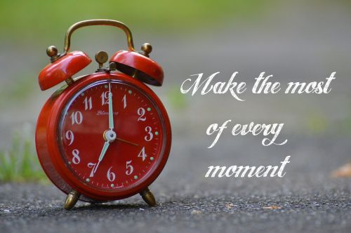 moments use clock