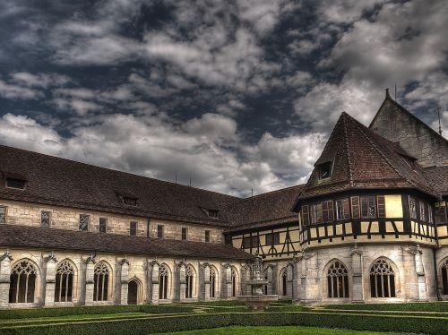 monastery gradually architecture